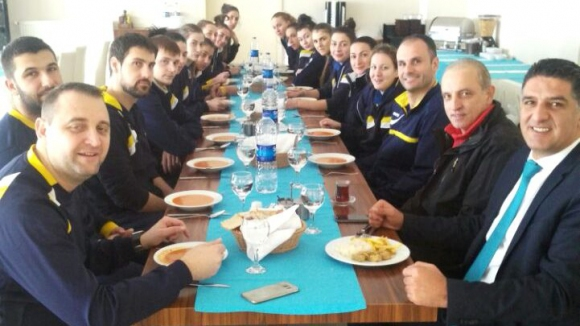 Шампионките тренират двуразово на лагера в Бурса, утре гостуват на Галатасарай