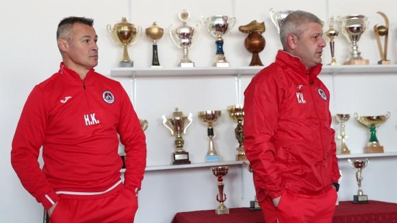 Локо Сф представи новия треньор, обяви целите (видео)