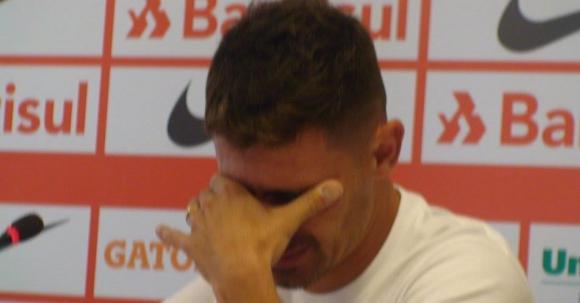 Бивш бразилски национал се раздели със сълзи на очи с любимия си отбор