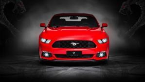 Ford Mustang GT с кожа от истински мустанг и кобри от Vilner