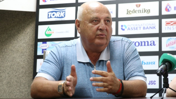 Венци Стефанов: Познавам Спас Русев и знам, че сега не иска да чуе за футбол
