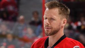 Откъснаха пръст на хокеист от НХЛ (видео)