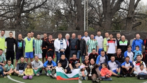"""""""Футбол с кауза"""" събра над 9 000 лв. за Вики (видео + снимки)"""