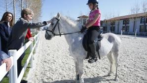 Министър Дашева подкрепи Академията на младите ездачи