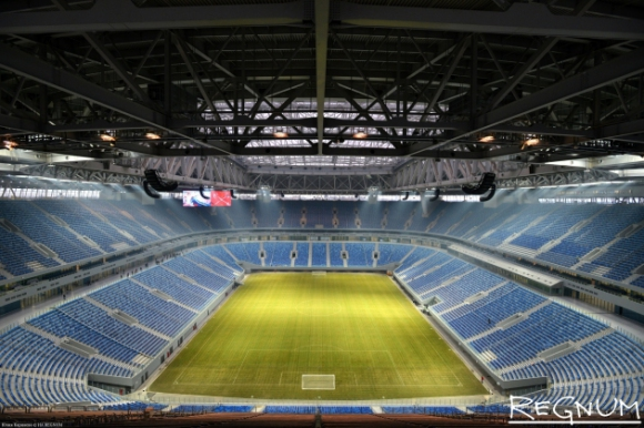 Пак проблеми с чисто нов стадион за Мондиал 2018