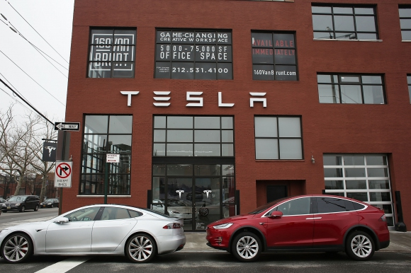 Tesla изпревари General Motors и Ford