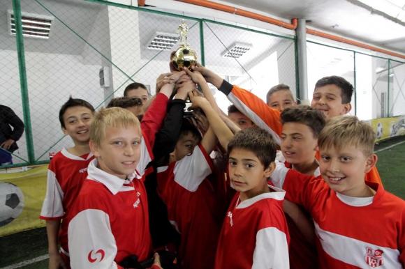 Децата на АСТИ АБ спечелиха Купата на АБФ