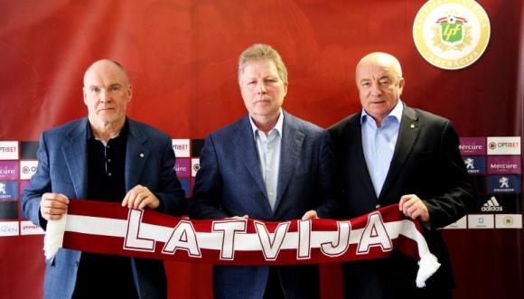 Старковс начело на Латвия за трети път