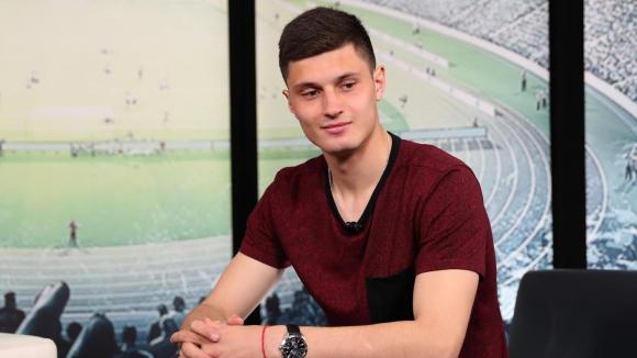 Националът Велков: Подписах договор с клуб от Англия, но ме спряха мениджърски игри (видео)