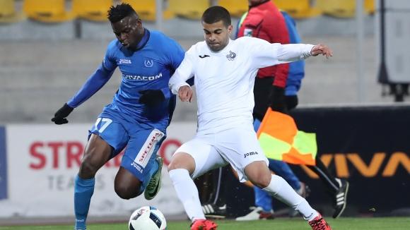 Босът на Дунав: Не е разумно в Левски да взимат 10 пъти повече от нашите играчи