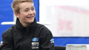"Добри новини за пострадалия млад пилот от ""Донингтън парк"""