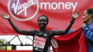 Мери Кейтани спечели маратона на Лондон с второ време в историята
