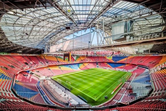 """В името на една легенда: стадионът на Аякс вече ще се казва """"Йохан Кройф Арена"""""""