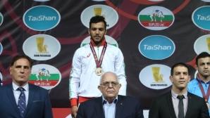 Новият шампион мечтае за световния връх с България