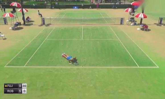Вижте какво прави на корта тази японска тенисистка (видео)