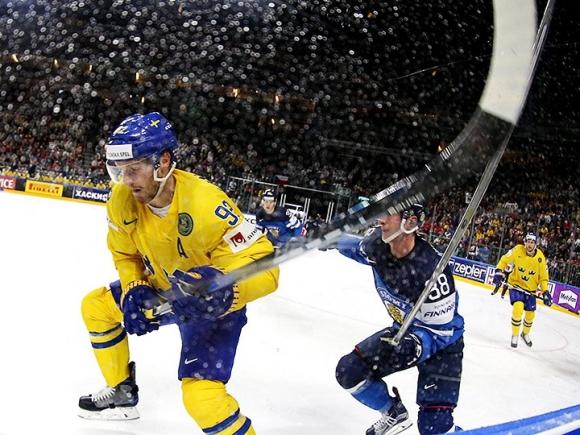 Швеция стигна финала на световното по хокей