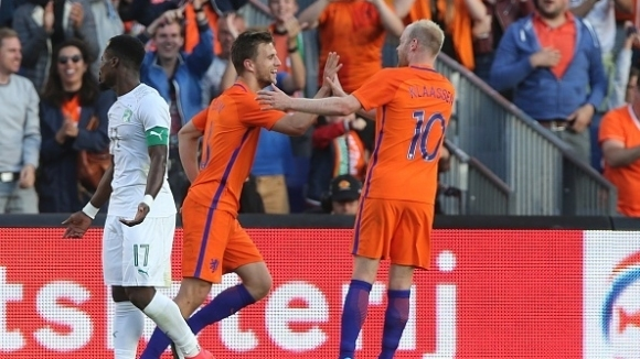 Холандия се развихри и вкара пет на Кот д'Ивоар (видео)