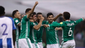 Мексико увеличи разликата на върха, тийнейджър донесе победа на САЩ