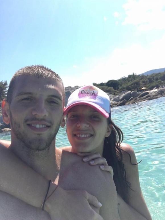 Волейболна националка се наслаждава на романтична ваканция