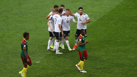 Победа номер 100 за Йоахим Льов и полуфинал за Германия