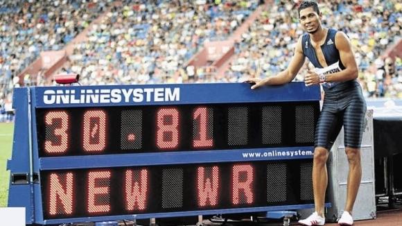 Уейд ван Нийкерк подобри още един световен рекорд на Майкъл Джонсън
