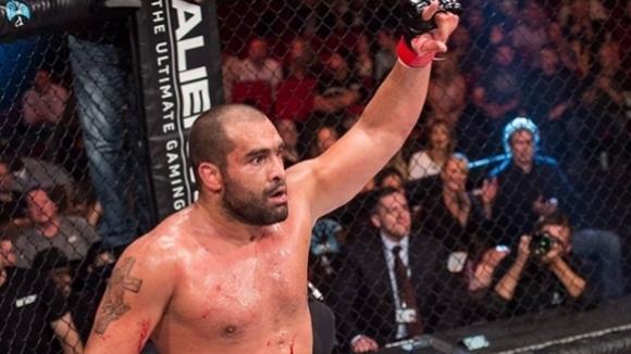 Заробващ договор отказал Багата на UFC