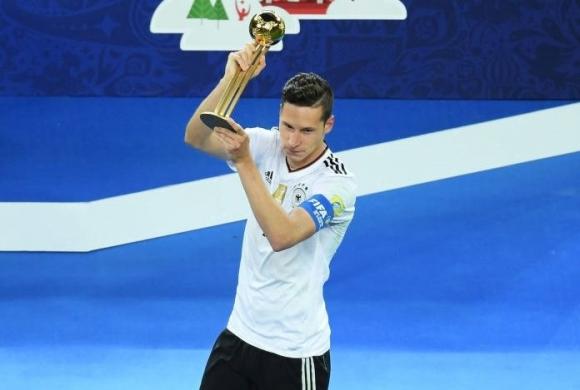 """Дракслер получи """"Златната топка"""" от Диего Марадона, вижте всички индивидуални награди"""