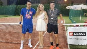 Иво Андреев спечели първи трофей във вечерните турнири без загубен сет