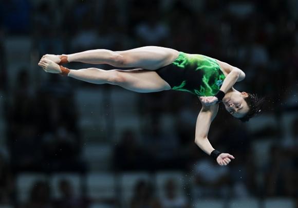 Малайзийка изненада китайките в скоковете във вода от 10-метрова кула