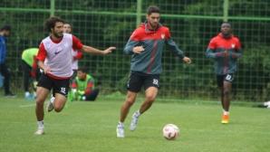 Даниел Димов отново тренира с Маниса