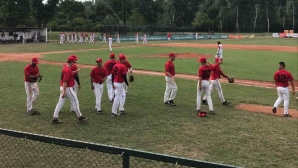 Бейзболните национали взеха глътка въздух преди битката за оцеляване