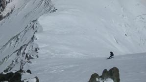 Първо българско сноуборд спускане от над 7000 метра