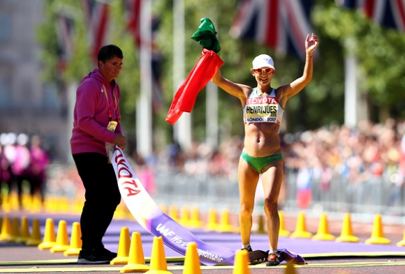 Инес Енрикес спечели световната титла в спортното ходене със световен рекорд