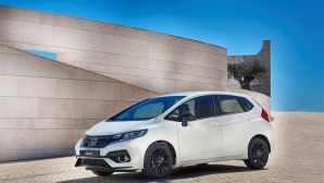 Honda дава свеж вид и нов двигател на Jazz (видео)