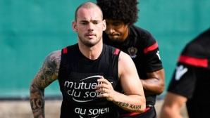 Балотели и Снайдер готови да играят за Ница