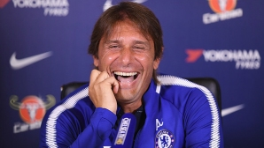 Конте иска да води Челси и на новия стадион