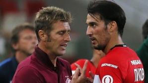 Спартак подсилва халфовата линия, Попето ще играе все по-малко