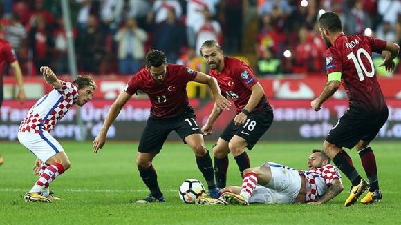Турция завърза битката в група I (видео)