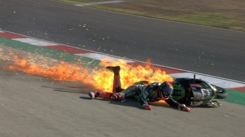 Пилотът на Kawasaki в Световния Супербайк шампионат Том Сайкс претърпя