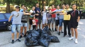 """Волейболистите на Дунав (Русе) почистиха Лесопарк """"Липник"""""""