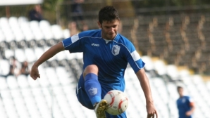 Самет Ашимов се завръща в професионалния ни футбол