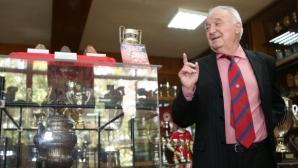 Петър Жеков отговори на думите на Стоичков, че е най-големият български футболист