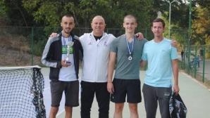 Кметът Апостолов награди призьорите от тенис турнира в Симитли