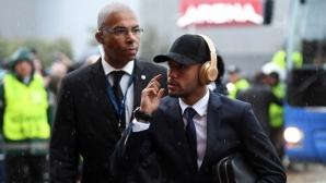Неймар иска УЕФА да изхвърли Барса от Шампионската лига