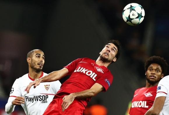 Спартак поставя топката топката от мача със Севиля в музея