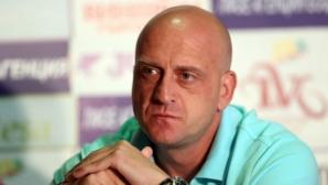 Викторио Павлов със стряскаща оценка за българския футбол, даде съвет на Крис Добрев