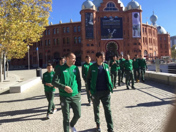 Националите с разходка край хотела (снимки)