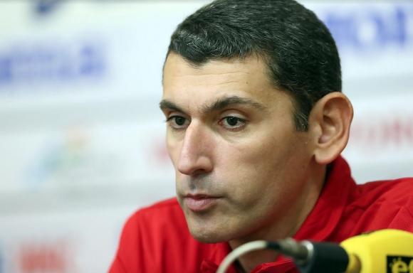 """Сашо Попов: В момента не можем да си позволим да играем в  """"Арена Армеец"""" (видео)"""