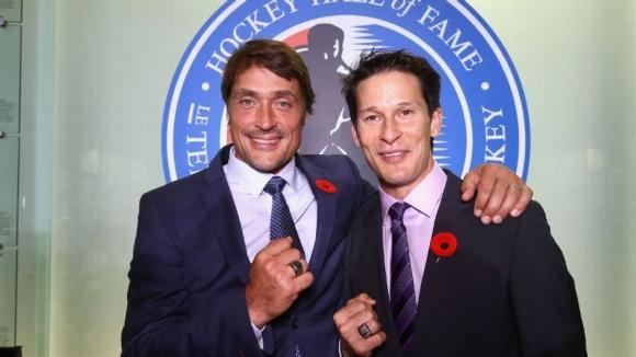 Легендите Селане и Кария бяха приети в Залата на славата на НХЛ