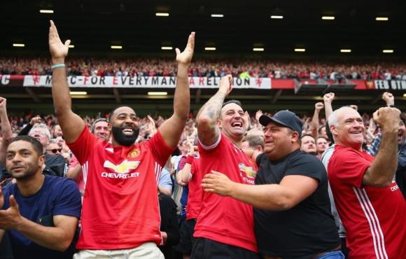 Манчестър Юнайтед продава най-много фланелки във Великобритания
